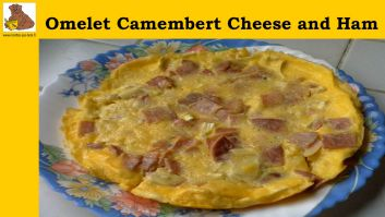 The omelet Camembert cheese and ham